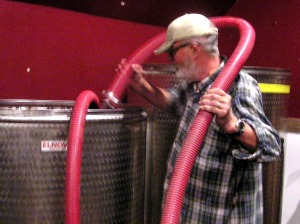 Aerating the fermenting grapes